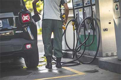 OPEP dividida por recorte de petróleo
