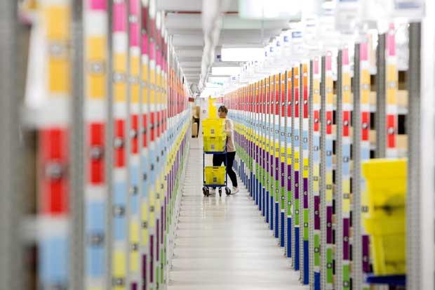 Amazon planearía parlantes de lujo Alexa con pantalla grande
