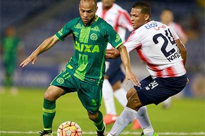 Solidaridad futbolística resucitaría a equipo brasileño
