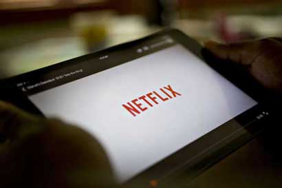 Netflix lanza función para bajar contenidos y verlos offline