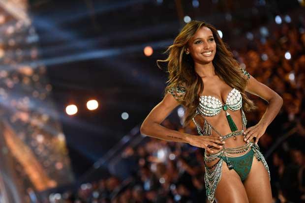 Jasmine Tookes modeló sostén de $3 millones en desfile de Victoria's Secret