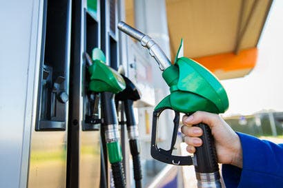 ¿Cómo se comportó la gasolina frente al precio internacional en 2016?