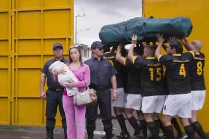 """Diputado exige al BCR retirar """"publicidad sexista"""""""