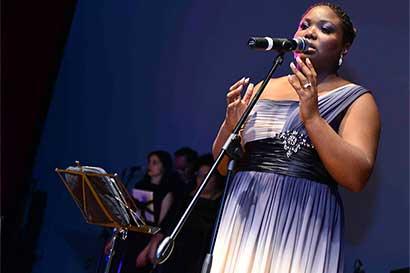 Charlene Stewart, Flor Urbina y Editus en concierto