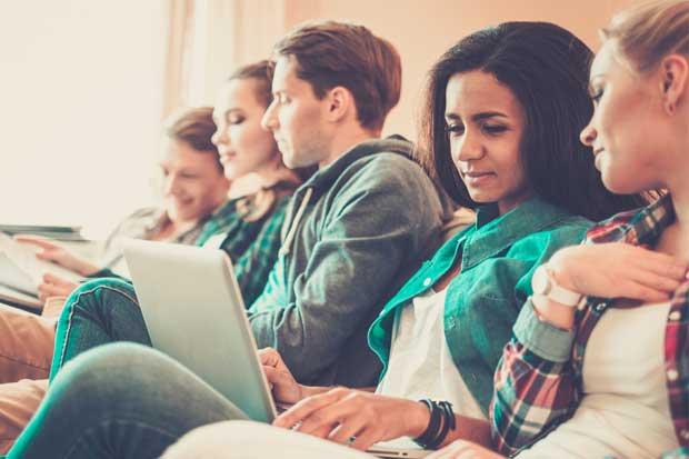 Administración de Empresas encabeza lista de carreras más buscadas en universidades.cr