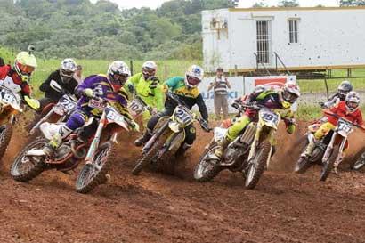 Roberto Castro logra podio en República Dominicana