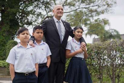 Maestro unidocente obtiene Premio Nacional de Educación 2016