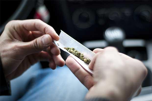 Adolescentes en Estados Unidos fuman menos marihuana que antes