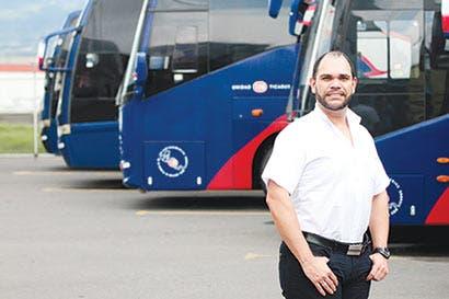Aerolíneas de bajo costo retan a empresas de buses regionales