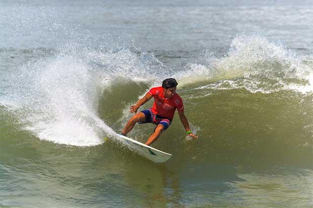 El mejor surf se disfruta en Playa Tamarindo este sábado y domingo