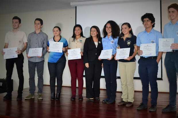 Bachillerato registró incremento del 2,5% en la promoción