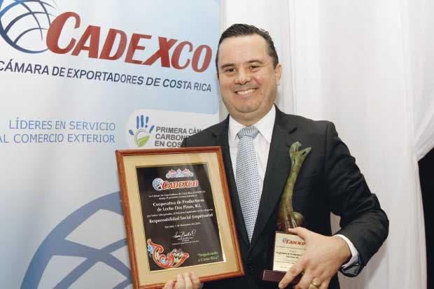 Premio a la Responsabilidad Social Empresarial:   Cooperativa de Productores de Leche Dos Pinos R.L.