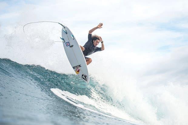 """""""Cali"""" sueña con el Tour Mundial de Surf"""