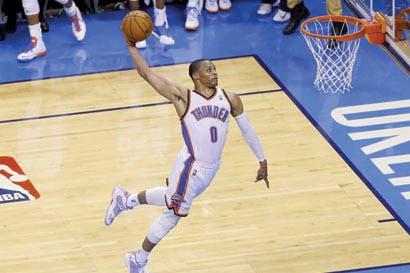 Westbrook y LeBron gobiernan la NBA