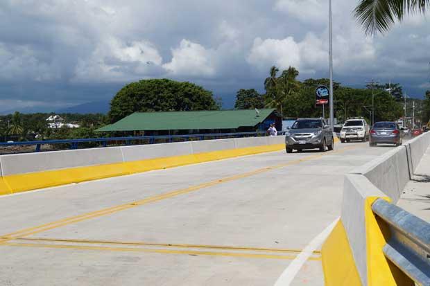 Puente sobre el estero Boca Vieja en Quepos entró en funcionamiento