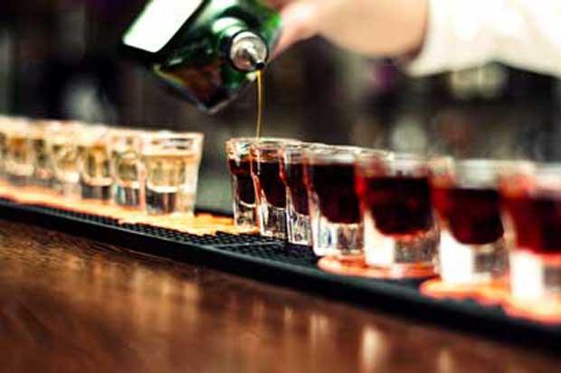 Celebraciones navideñas aumentan consumo de licor, según IAFA