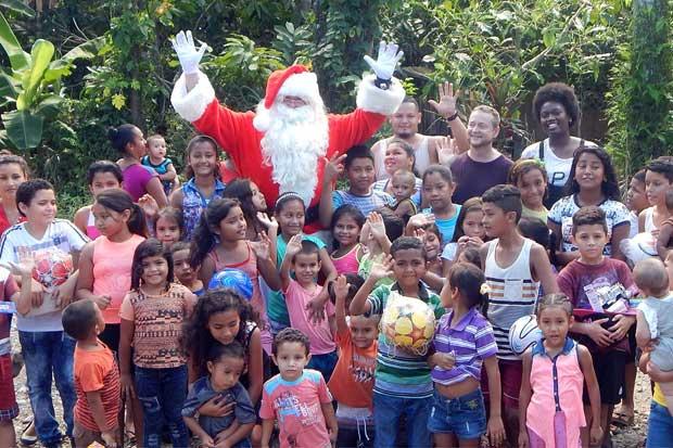 Project Santa Claus lleva alegría a zonas rurales desde hace diez años