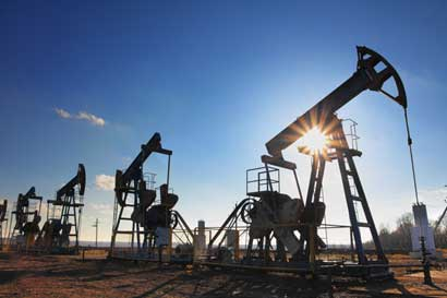 Precio del petróleo aumenta