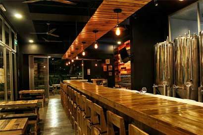 La casa de la cerveza artesanal Hoppy abrió en Santa Ana