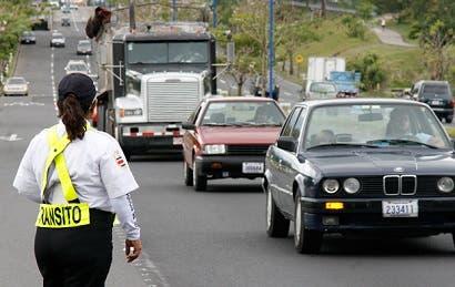 Lunes vuelve restricción vehicular