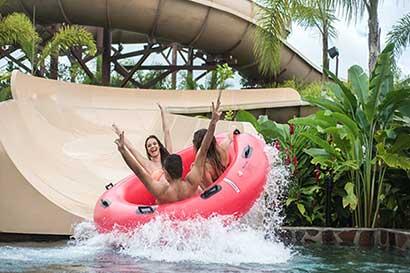 Entretenimiento se vive en parque acuático en La Fortuna