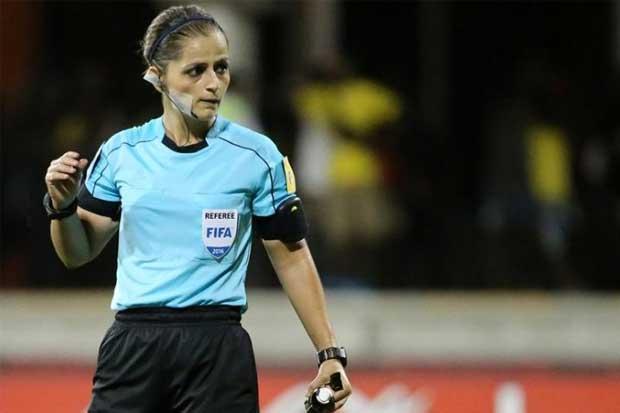 Árbitra volverá a dirigir un partido de Primera División