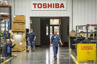 Toshiba conseguiría más financiación en medio de crisis contable