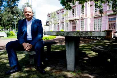 U Hispanoamericana abrió ciclo de conversatorios con precandidatos presidenciales
