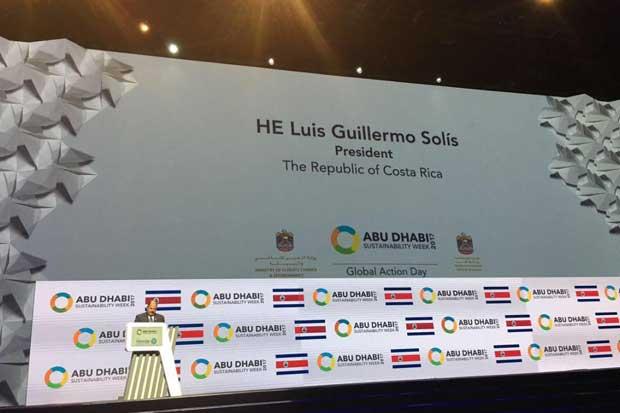 Presidente participó como orador principal en Encuentro Mundial de Energía del Futuro