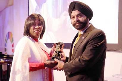 Mastercard recibió premio por su lucha contra el hambre