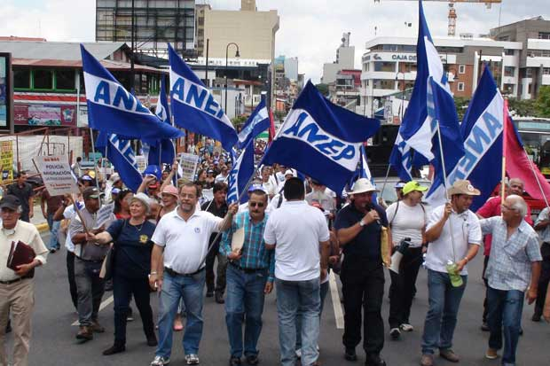 Sindicalistas no dan marcha atrás con huelga e intensifican acciones