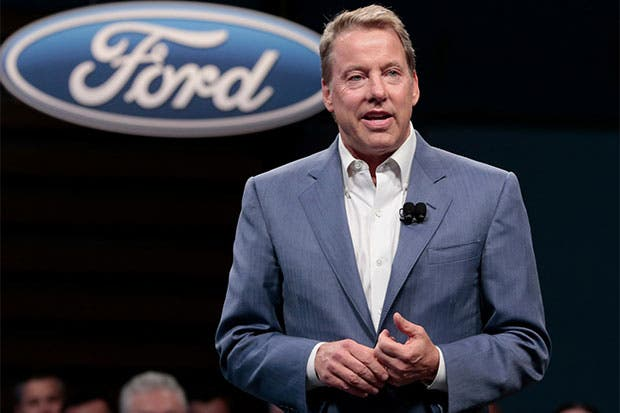 Bill Ford espera que autos eléctricos ganen popularidad mundial
