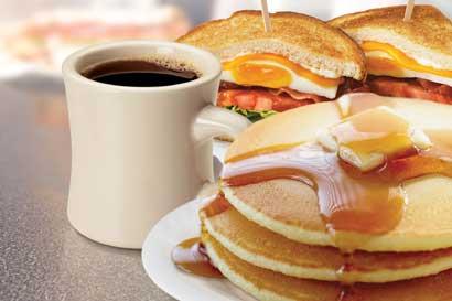 Johnny Rockets lanza menú de desayuno