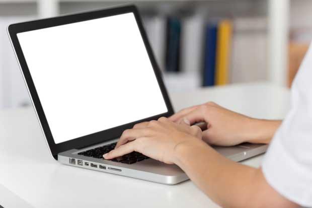 UNA inicia proceso de registro de títulos vía web