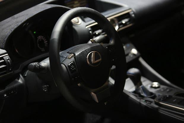 Lexus no puede seguir el ritmo del segmento de lujo de los SUVs