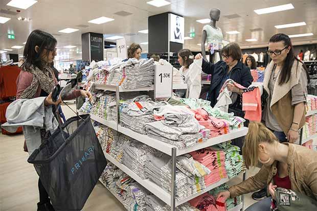 La moda instantánea amenaza a minoristas endeudados en EE.UU.