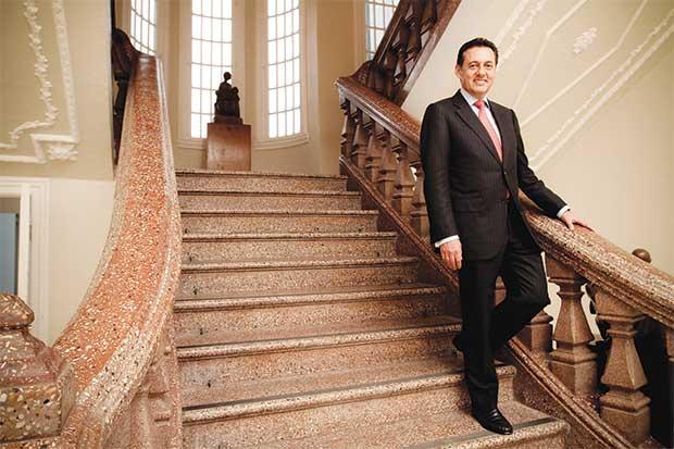 Antonio Álvarez es el precandidato más popular