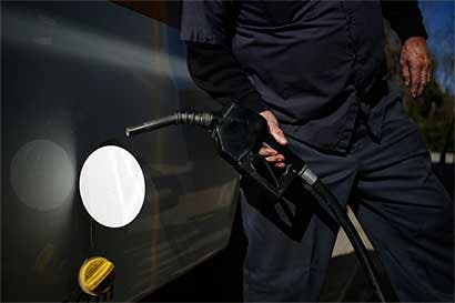 Latinoamérica elimina subsidios a combustibles, busca austeridad