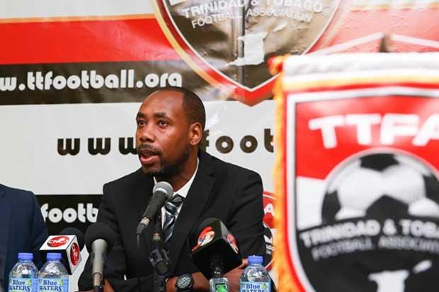 Trinidad y Tobago cambia de técnico y lleva exestrella inglesa de asistente