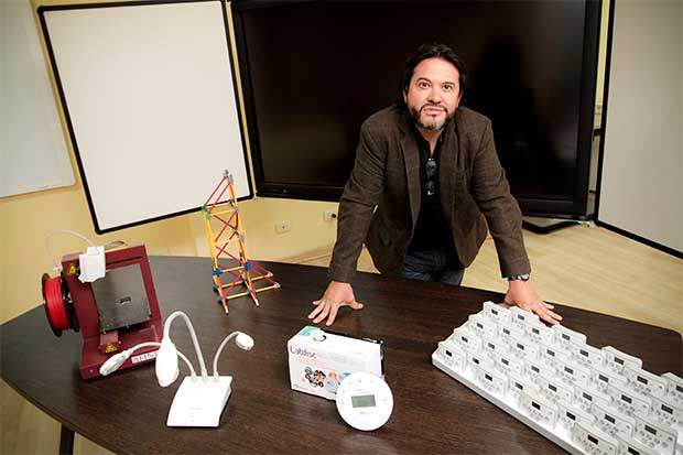 Dispositivos tecnológicos invaden los salones de clases