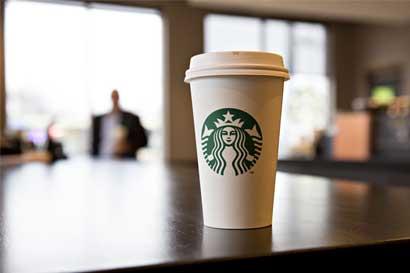 Starbucks agrega función de pedidos por voz para iPhones
