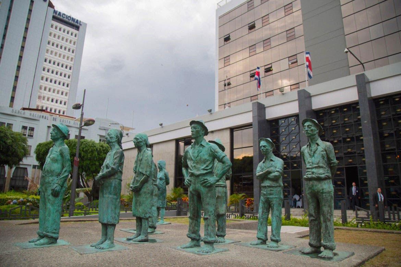 Junta Directiva del Banco Central justifica aumento salarial