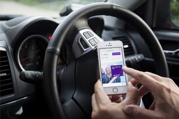 Uber y Daimler forman alianza para vehículos autónomos