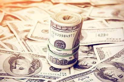 Dólar recibe inyección de riesgo político