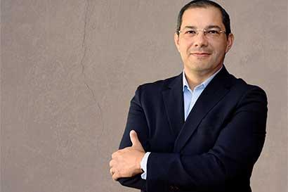 Cuestamoras mantendrá división entre farmacias Fischel y La Bomba