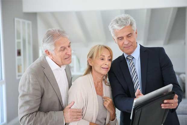 Confianza del consumidor en EE.UU. crece más en los mayores de 55