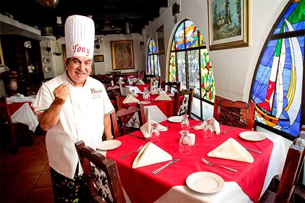 Buena comida italiana y amistad en un mismo plato