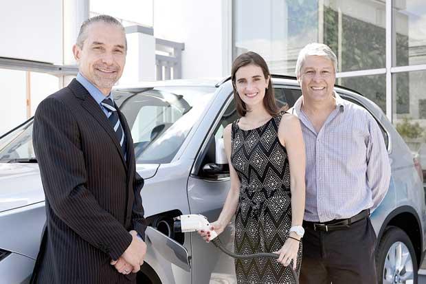 BMW inauguró primera electrolinera pública y gratuita del país