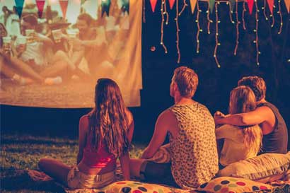 Barrio Escalante innova con cine gratuito al aire libre