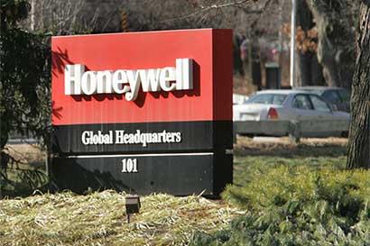 Dólar fuerte debilita las ventas de Apple y Honeywell